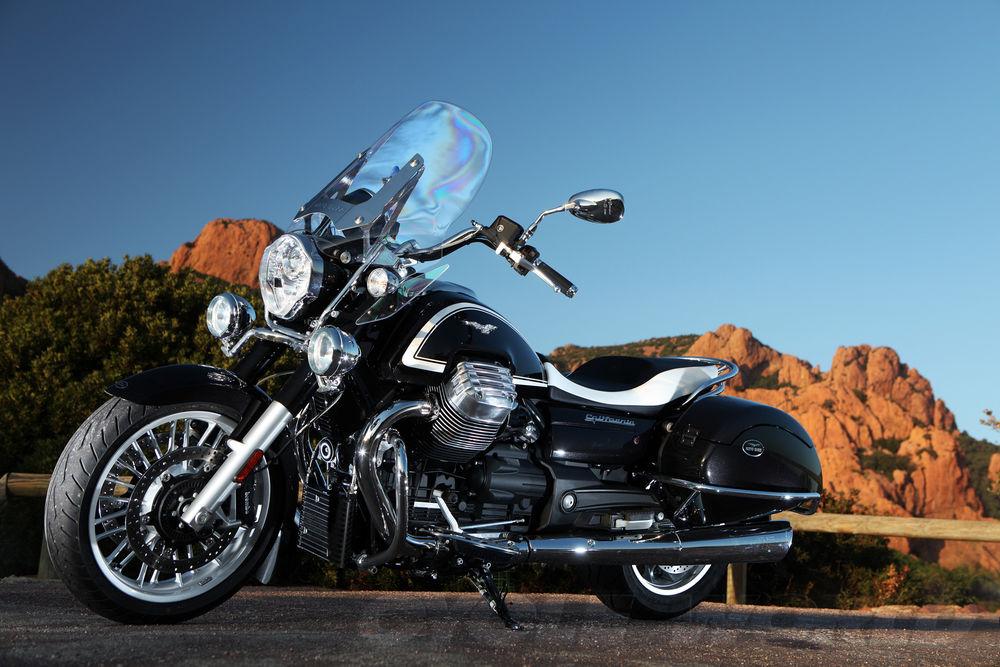 moto-guzzi-california-1400-touring-ambassador-static-side-l