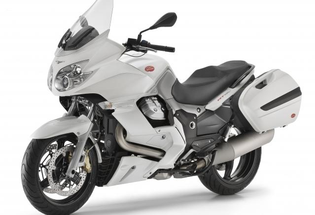 0c120e0e-moto-guzzi-norge-gt8v-abs_madreperla-white